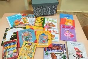 Zaczarowany kuferek książek z Biblioteki Pedagogicznej