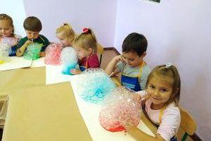 Kolorowa kąpiel - zabawy plastyczne w grupie MISIE